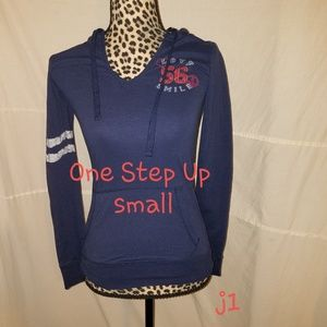 One Step Up Size small